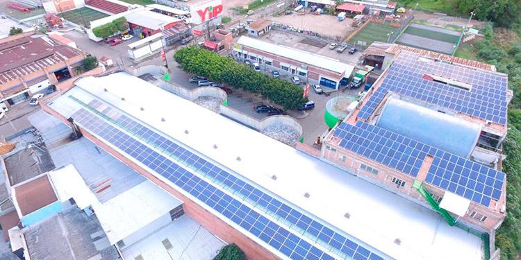Crece la generación de energía solar entre los consumidores con capacidad de compra; comercio y residenciales.
