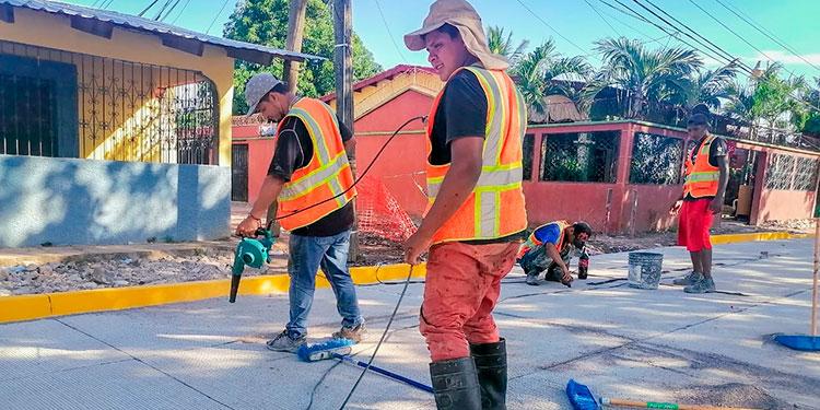 Mejoramiento vial y empleo dejan estas obras en varios municipios del departamento de Valle.