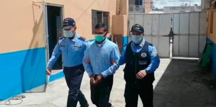 Contra el detenido existía una orden de captura por el delito de otras agresiones sexuales agravadas en perjuicio de una joven.