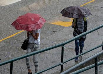 Según los expertos la mayoría de modelos climáticos prevén que el fenómeno no se convierta en un ciclón tropical.