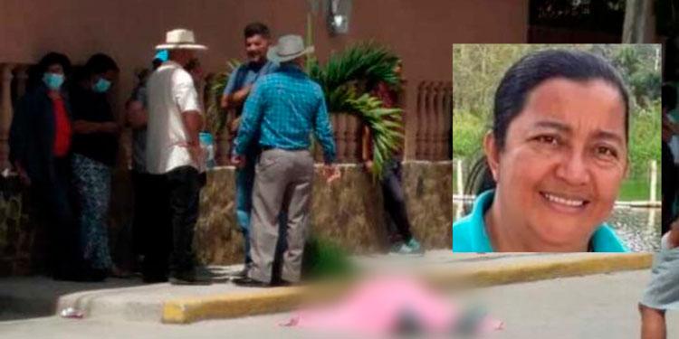 La señora Martha Edith Rosa Guerra (foto inserta) fue atacada a tiros por sujetos desconocidos y la Policía Nacional ya investiga el caso.