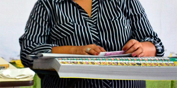 El CNE prepara las papeletas muchas de las cuales saldrán sin candidatos.