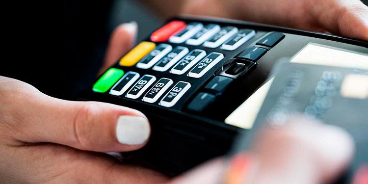 Según el regulador, los tarjetahabientes pasaron sus saldos en mora a extrafinanciamentos.