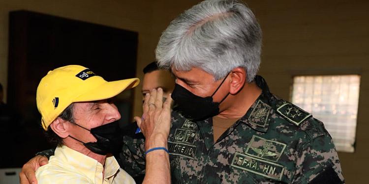 """El jefe del Estado Mayor Conjunto, general Tito Livio Moreno Coello, estuvo presente en las actividades previas a la celebración del """"Día del Soldado""""."""