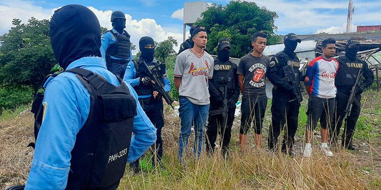 """A """"Los Berríos"""" se les acusa de extorsión, sicariato, venta de drogas y ataques a bandas rivales, en las colonias San Miguel, """"28 de Marzo"""", """"Izaguirre"""", La Era, La Esperanza y alrededores."""