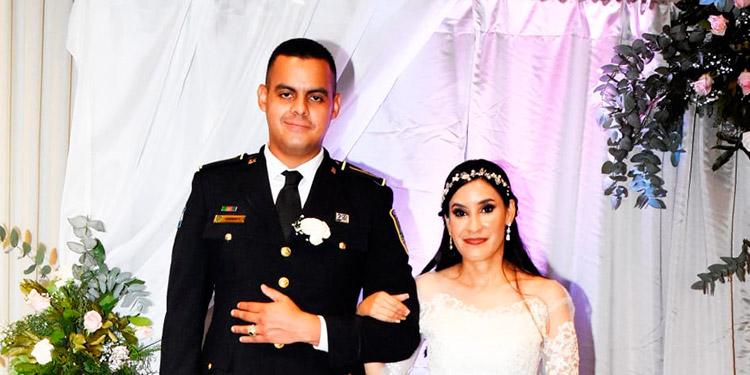 Gabriel y Paola Alejandra llegaron al altar el 11 de septiembre.