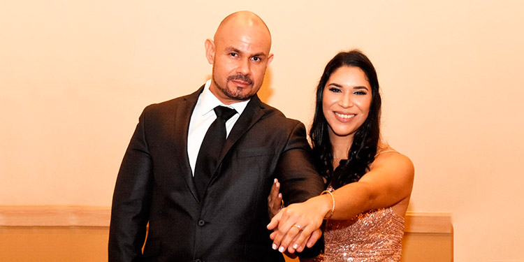 Azriel y Cinthya unirán sus vidas en matrimonio a mediados del próximo año.