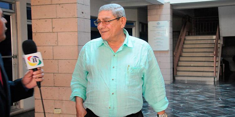 La Sala Constitucional le admitió un recurso de amparo con suspensión del acto reclamado a su favor.