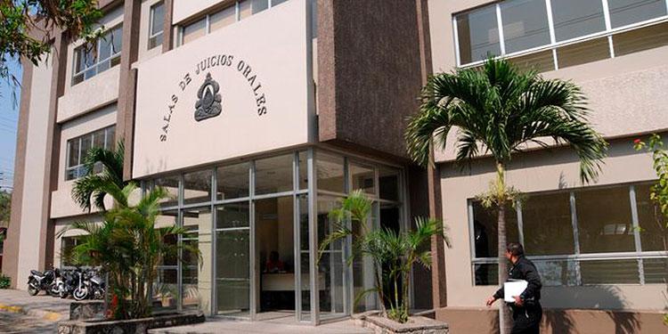 """La marihuana en el jugo iba con destino al recluso José Luis Santos Rodríguez, alias """"El Oreja""""."""
