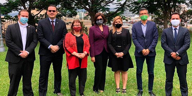 La embajada estadunidense, tras informar sobre la reunión con las autoridades del órgano electoral.