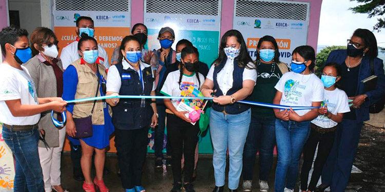 La inauguración del proyecto que contempla una serie de mejoras de infraestructura y saneamiento se realizó el viernes pasado en el centro educativo de Yamaranguila.