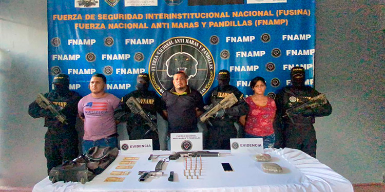 Nelson David Castillo Castillo, Sergio Geovanny Chévez Arriaga y Keydi Karina Méndez.