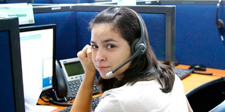 """Al menos, 300 puestos ofrecen a población bilingüe para trabajar por hora en """"call center""""."""