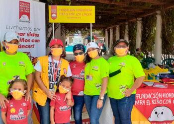 Entre cinco y diez niños viajan semanalmente desde Juticalpa a recibir quimioterapia a Tegucigalpa, y al mes se reciben 20 infantes en el hospital San Francisco.