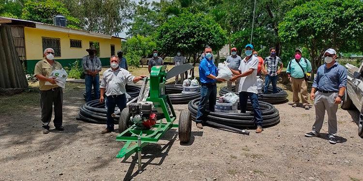 Según avances del proyecto hasta agosto, se habían cubierto a unos 362 productores y las acciones de entregas continúan realizándose en distintas zonas del país.
