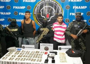 Los detenidos hoy mismo fueron remitidos a los juzgados correspondientes por porte ilegal de armas, tráfico de drogas y asociación para delinquir.