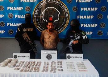El sujeto hoy mismo fue remitido a los juzgados correspondientes por tráfico de drogas en perjuicio de la salud de la población del Estado de Honduras.