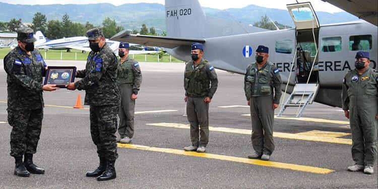 El contingente militar arribo al país ayer con una suma de nuevas experiencias en el plano de mitigación de riesgos.