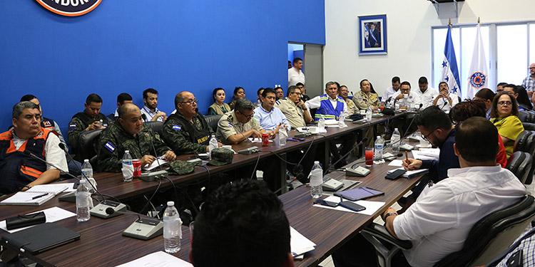 Unos 7,000 efectivos de las Fuerzas Armadas acompañaran a otras fuerzas de seguridad en los puntos de control a nivel nacional.