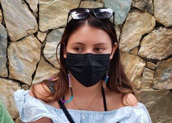 La joven Nayeli Rodríguez recibió su segunda dosis y dice que seguirá cuidándose, porque ya vio que su familia sufrió la COVID-19.