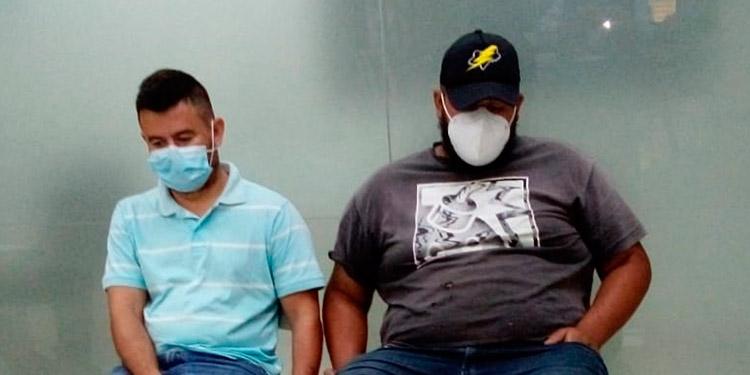 Brayan Eduardo Mejía Peña y Juan José Maldonado Peña fueron detenidos en la carretera CA-5, a la altura del peaje de Siguatepeque.