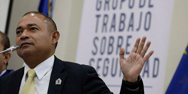 El exministro de Seguridad Mauricio Ramírez Landaverde fue capturado por supuestamente estar involucrado en la malversación de aproximadamente 14 millones de dólares de las prisiones durante la administración de Salvador Sánchez Cerén. (LASSERFOTO  EFE)