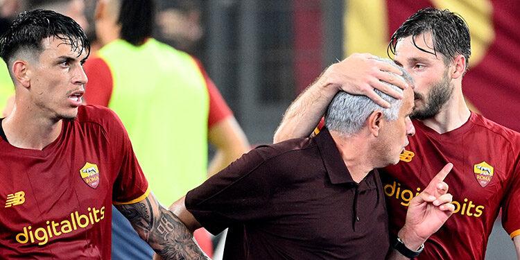 Mourinho líder en Italia con el AS Roma.