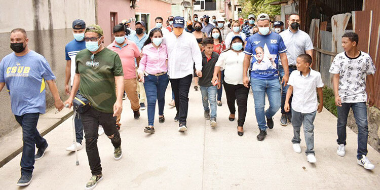 """""""La gente no quiere violencia, quiere unidad y desarrollo"""", dijo David Chávez."""