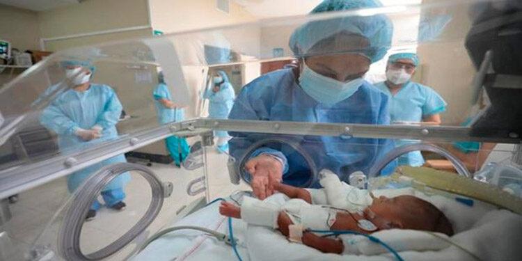 La sala pediátrica de COVID-19 del HEU se encuentra ocupada en un 100 por ciento de su capacidad.