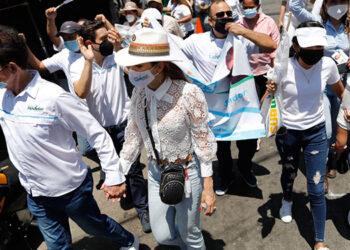 Nasralla, también en su recorrido por Cortés, se reunió con la asociación de pastores de Choloma.
