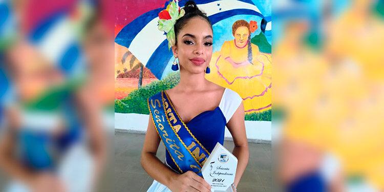 La jovencita Emely Reyes, obtuvo el título de Señorita Independencia de Atlántida.