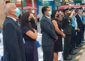 Las autoridades municipales encabezaron las actividades de la conmemoración del Bicentenario de Independencia.
