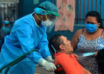 El infectólogo Tito Alvarado, asegura que la variante Delta del COVID-19 es más agresiva que el mismo virus.