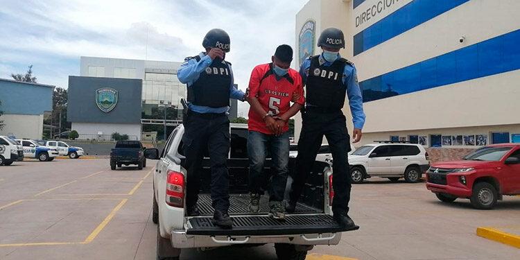Al momento de ser requerido, el sujeto se identificó con otro nombre para despistar a las autoridades policiales.