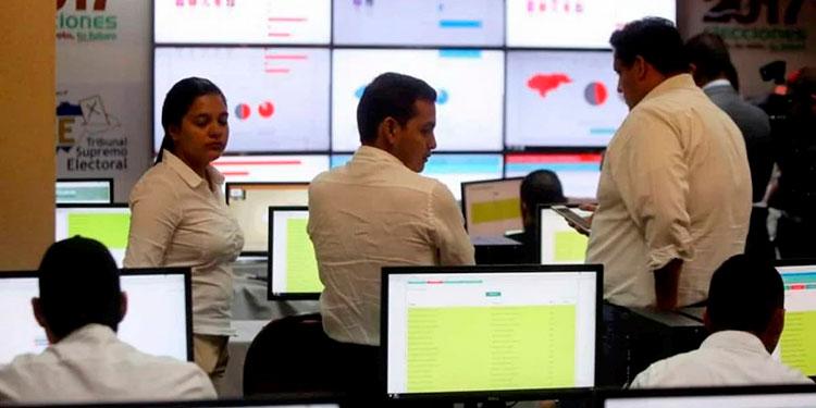 Se firmó el contrato con el Consorcio Tecnológico Centroamericano que lo conforman una empresa hondureña y una costarricense.
