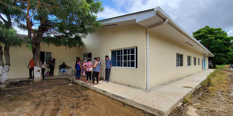 El edificio de la consulta externa del Hospital Gabriela Alvarado era remodelado, pero nadie sabía sobre el proceso de la obra.