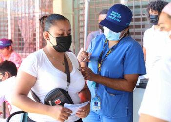 1.6 millones de personas tienen el esquema de vacunación completo.