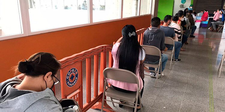 Autoridades del CAH confirmaron que unos 130 profesionales del Derecho no asistieron a la segunda jornada de vacunación.