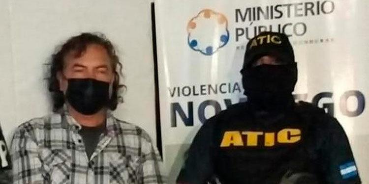 Javier Benítez abrió fuego contra los agentes de la ATIC y la PMOP que realizaban los allanamientos.