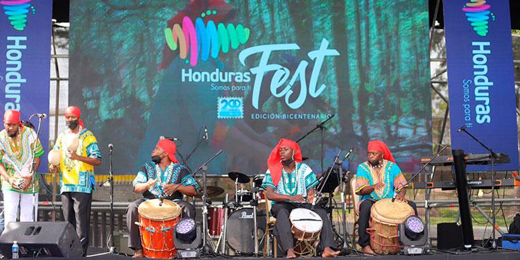 Son muchos los artistas y emprendedores que ponen en alto el orgullo hondureño, y gracias a este festival Marca País Honduras.