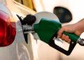 Los precios de las gasolinas rompen récord al permanecer más de cuatro y medio meses costando más de 100 lempiras.