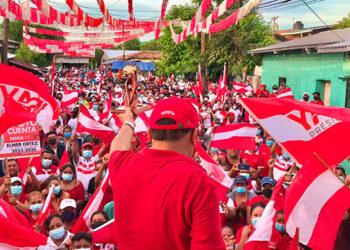 En Valle, bajo el liderazgo de Alfredo Saavedra, aglutinó masiva presencia de liberales.