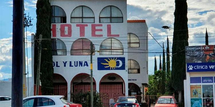 Los 22 extranjeros, entre ellos haitianos, cubanos y venezolanos, habían sido privados de su libertad durante la madrugada de este día mientras se encontraban en un motel.