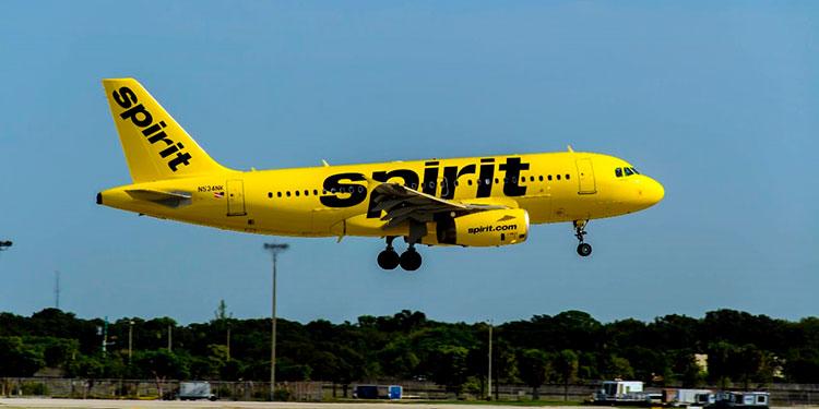 Spirit es una de las aerolíneas más populares por ofrecer pasajes aéreos a bajo costo.