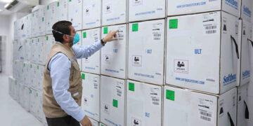El gobierno compró dos millones de vacunas más contra COVID-19.