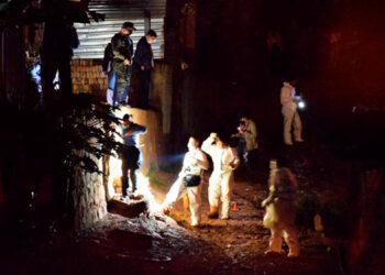 El triple crimen sucedió el lunes anterior en la aldea La Cuesta 2, lugar que últimamente es considerado de suma peligrosidad.