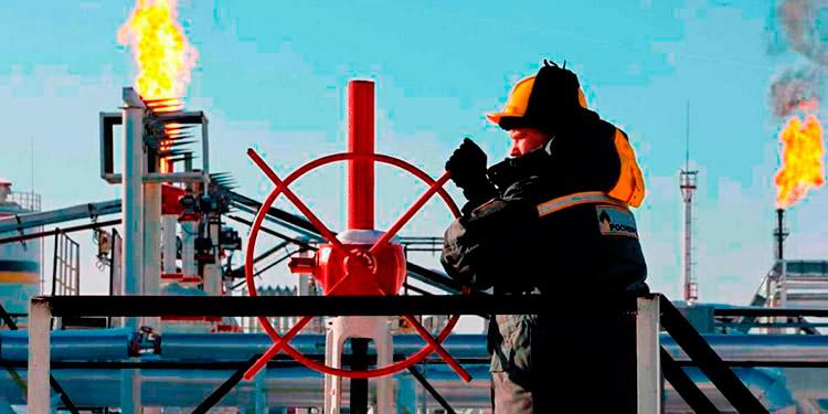 Los contratos de gasolina con vencimiento el mismo mes sumaron 5 centavos, hasta 2.25 dólares el galón.