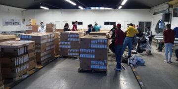 El tercer lote consistió en 2,482 computadoras portátiles.