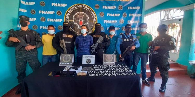 Los cuatro miembros de la pandilla 18 fueron capturados en la colonia Lempira, de La Ceiba.