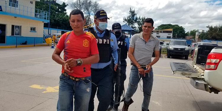 """La DPI capturó a cuatro miembros de banda delictiva """"Los García"""", dedicados al sicariato y asaltos a mano armada en Reitoca."""